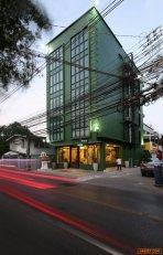 ขายโรงแรม อยู่ตรงข้ามสำนักงานเขตห้วยขวาง 46 ตร.ว.  5 ชั้น 12 ห้อง ใหม่กิ้ก มีดาดฟ้ามีลิฟ 1 ตัว ใกล้ mrt ห้วยขวาง มีใบอนุญาตครบ