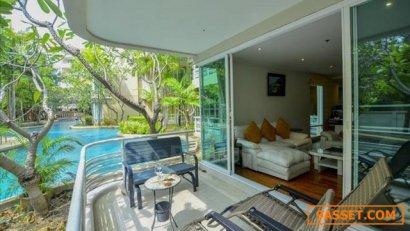 ขายคอนโดหรู บ้านแสนเพลิน คอนโดติดทะเล หัวหิน สระว่ายน้ำอยู่หน้าระเบียงห้อง