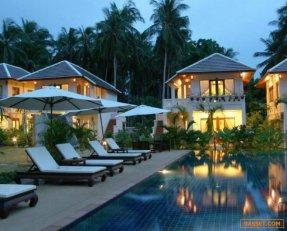 ขายรีสอร์ท 11 หลัง 17 ห้อง ราคาพิเศษ 35 ล้านบาท อ. เกาะสมุยจ.สุราษฏร์ธานี