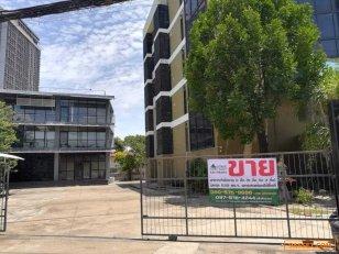 76324 - เสนอขาย อาคารสำนักงาน 2 อาคาร (5 ชั้นครึ่ง กับ 3 ชั้น) เนื้อที่ดินรวม 1 ไร่ 1 งาน 22 วา