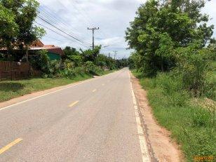 ขายด่วนที่ดินบ้านฝาง 13 ไร่ ติดถนนเส้นหลัก บ้านฝาง-บ้านโคกใหญ่ ทำเลดี ย่านการค้า เดินทางสะดวก