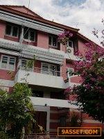 ขายบ้าน 3 ชั้น  67 ตร.วา  ม.เอกบุรี ซอยรามอินทรา103/2 โครงการติดถนนใหญ่