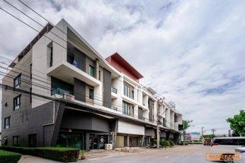 ขายอาคารพาณิชย์ 4.5 ชั้น 2 คูหา โครงการ บี อเวนิว วัชรพล สุขาภิบาล 5 แขวง ออเงิน เขตสายไหม