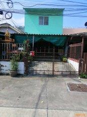 ขายบ้านทาวน์เฮาส์ จ.ชลบุรี บางละมุง หนองปรือ 23วา 2ล T0940457914