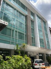ขายกิจการโรงแรม6ชั้น 54ห้องนอน 55ห้องน้ำ มีลิฟต์ ทำเลทอง ใกล้แยกอโศก ใจกลางกรุงเทพฯ