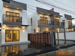 ขายบ้านแฝด 2 ชั้น สร้างใหม่ หมู่บ้าน ต. รวมโชค โชคชัย 4 ซอย 56 เขตลาดพร้าว