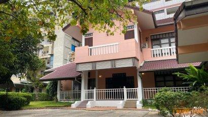 BH1216 ให้เช่าบ้านเดี่ยว2ชั้น บ้านไทย สไตล์โมเดิร์น ตั้งอยู่สี่แยกพระราม1 และถนนพระราม6
