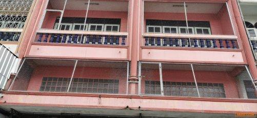 ขาย อาคารพานิชย์ 3 ชั้น มีชั้นลอย 2 ห้องคู่ เนื้อที่ 45 ตารางวา โพธิ์พระยา สุพรรณบุรี โทร 092-8135558