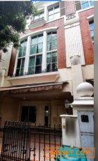 ให้เช่าทาวน์โฮม ทองหล่อซอย 8 มี 4 ห้องนอน  7 ห้องน้ำ พื้นที่ใช้สอย 320 ตรม เหมาะอาศัย ทำโฮมออฟฟิศ