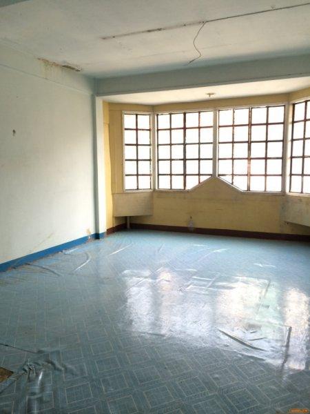 ขายด่วน ทาวน์เฮ้าส์ 3 ชั้น 32 ตรว สาธุประดิษฐ์ 49 ถูกมากๆ ใหญ่มากๆ  2 คูหาตีทะลุ เดินทางสะดวกมาก ทาวน์เฮ้าส์ 3 ชั้น 2 คูหา ตีทะลุ 3ห้องนอน 3 ห้องน้ำ