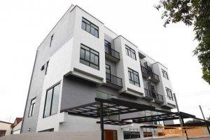 Code9872 ขายทาว์โฮมหน้ากว้าง 9เมตรครึ่ง บ้านใหม่เพิ่งสร้างเสร็จ ลาดพร้าว 25 หลังมุม 44ตารางวา 3ชั้น