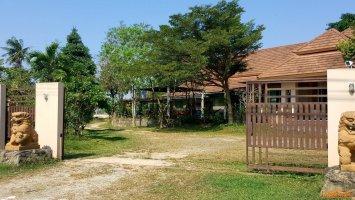 ขายบ้านทำเลดี วิวสวย บรรยากาศธรรมชาติติดริมอ่างเก็บน้ำหนองค้อ สวนเสือศรีราชา จังหวัดชลบุรี