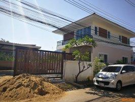 ขายบ้านตึก 2ชั้น พร้อมที่ดิน54 ตรว เพิ่งสร้างเสร็จยังไม่ได้อยู่ 5.9ล้าน อยู่ในหมู่บ้านแกรนโฮม พหลโยธิน ซอย 48