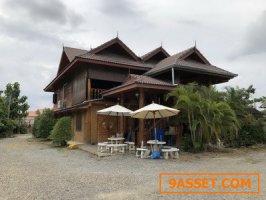 ขายด่วนบ้านไม้ส้กทองทรงไทยสุดหรู ส้นกำแพง จ.เชียงใหม่