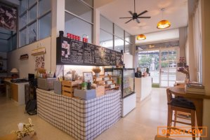 Commercial Space for rent - Coffee House in front of Hotel at Huahin 102