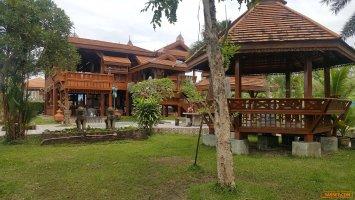 ขายบ้านทรงไทย พร้อมบ้านปูน1ขั้น และ2ชั้น เนื้อที่ 333 ตารางวา ราคา 10 ล้านบาท