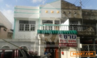 บ้านแฝด ม.อยู่เจริญ เนื้อที่ 37 ตร.ว. ซอย 11 ถนนวิภาวดี