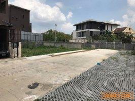 ขายด่วน ที่ดินเปล่า บ้านลูกกอล์ฟ เมืองทองธานี ซอย 7  ที่ดินแปลงสวย 50 ตร.ว