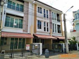 ขาย ทาวน์โฮม หมู่บ้านกลางเมือง S-sense พระราม9-ลาดพร้าว บ้านใหม่ สวย : มิว 061-9155997