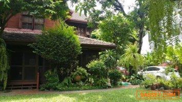 ขายบ้านไทยโบราณ  สมัยสงครามโลกครั้งที่สอง ซอยนรอุทิศ สภาพสมบูรณ์ที่สุด