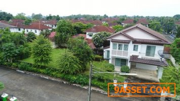 House Quick  for sale   in  Land&House at Park Nantawan village . Near Chiang Mai city