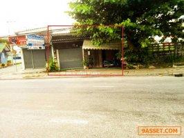 ขายที่ดิน ติดถนนสุขุมวิท ขนาด75 ตรว  ตลาดหนองมนเมืองชลบุรี ติดถนน 2 ด้านเหมาะสำหรับค้าขายหรือออฟฟิศ