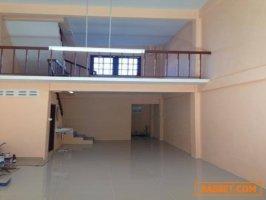 ขายอาคารพาณิชย์ 3.5 ชั้น 14 ตร.ว. ในซอยเพชรเกษม 63 (วัดม่วง)