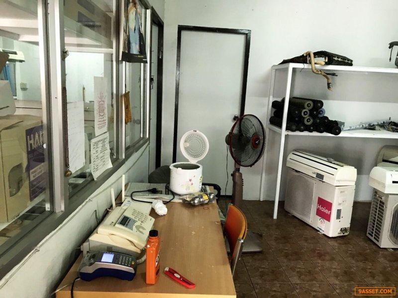 เซ้งร้านเปล่า พร้อมเปิดร้าน @ติดถนนเทพารักษ์ กม.11 เยื้อง รพ.บางนา5 ( สมุทรปราการ )