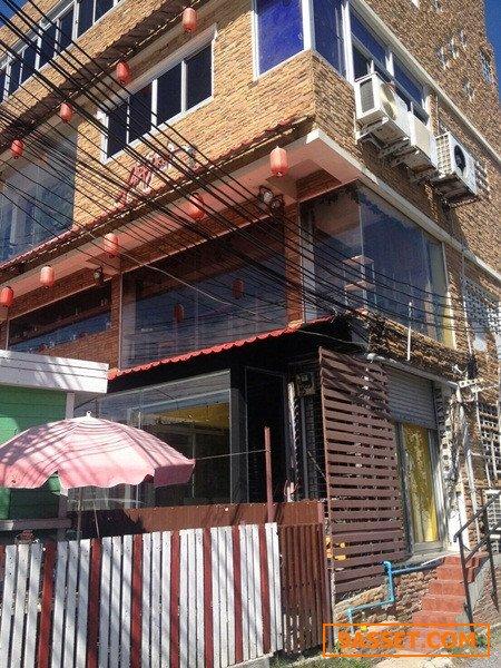 61539  อาคารพาณิชย์  4.5 ชั้น  40 ต.ร.ว.   ติดถนนศรีนครินทร์ ใกล้รถไฟฟ้า  BTS  ใกล้โรงพยาบาลเปาโล