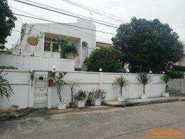 31024  ขาย บ้านเดี๋ยว 2 ชั้น หมู่บ้านอมรพันธ์ 9 ซอยเสนานิคม 1 พื้นที่ 88 ตร.ว.