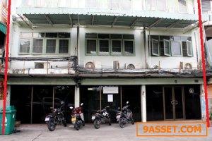ขายตึกอาคารพาณิชย์ 3 ชั้น 3 ห้องทำเลดี สุขุมวิทใกล้รถไฟฟ้า