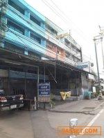 ขายตึกอาคารพานิชย์ 2 คูหา ติดถนนกิ่งแก้ว ซอย 39 เนื้อที่รวม 40 ตรว.