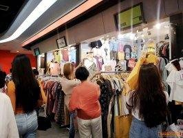 เซ้งขาด !! ห้องขายแฟชั่นหญิง @ห้างยูเนี่ยนมอลล์ (ห้างดังย่านลาดพร้าว )