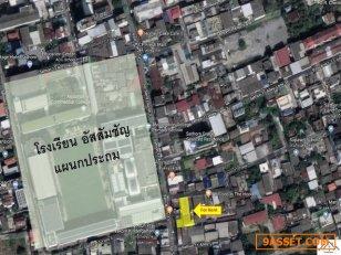 ขายอาคารพาณิชย์ขนาดใหญ่ ริมถนนสาทร พื้นที่ใช้สอยกว่า 1,700 ตารางเมตร