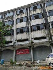 ขายอาคารพาณิชย์ 2 คูหา 5 ชั้น เพชรเกษม 69 ติด วิคตอเรีย การ์เด้น ต่ำกว่าราคาประเมิน โทรเลย