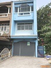 61958 อาคารพาณิชย์ 3 ชั้น  ติดถนน ซอยท่าอิฐ   ทำเลดี