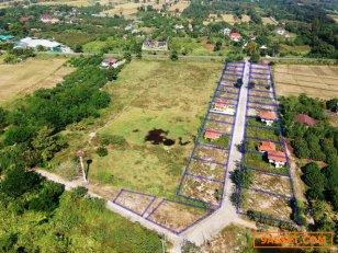ที่ดินแบ่งขายเชียงใหม่ โซนหางดง ไปทางสันป่าตอง ราคาเริ่มต้นเพียงตร.วาละ 7,500