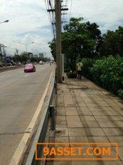 ขายที่ดินร่มเกล้าหน้ากว้างติดถนนร่มเกล้า100กว่าเมตร ผังสีเหลืองด้านหน้า300เมตรด้านหลังเขียวลาย