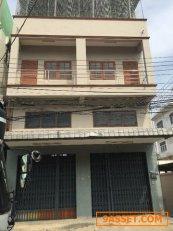 ขายอาคารพาณิชย์ 3 ชั้นครึ่ง 4 ห้องนอน 3 ห้องน้ำ ทำเลดี อยู่ในตัวเมือง ชลบุรี