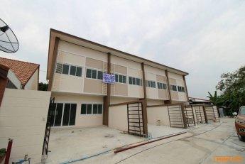 ขายทาวนโฮมโมเดิร์นใหม่ 2 ชั้น (บ้านใหม่) หนองปรือ พัทยากลางมี 4 หลังเท่านั้น ขนาด 21-27 ตร.วา