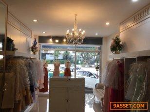 เซ้ง!! ร้านเช่าชุดราตรี ห้องมุม ชั้น1 @ลาดพร้าว71 ( ถนนเลียบด่วนเอกมัย-รามอินทรา )