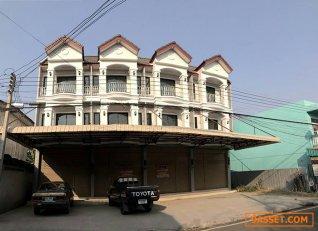 ขายอาคารพาณิชย์ 4 ชั้น ทำเลดีมากกกกก อยู่ใกล้ถนนบายพาสที่ตรงไปสู่ ถนนสายเอเซีย และอยู่ใกล้ตลาดสดท่าวุ้ง