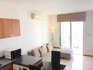 Condo for rent Villa Sathorn – Walk 1 Minute to Krung Thonburi Great Price. High Floor 36th Full Furnished Quiet Room.