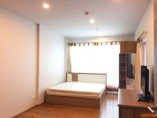 For rent Hive Taksin 30 Sqm the rental only 12,000 bath can walk to BTS Wongwian Yai less than 100 meter.