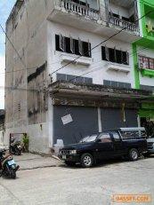 ขายด่วน ตึกแถว 4 ชั้นครึ่ง 2 หลังติด ราคาถูก