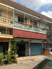 ขายอาคารพาณิชย์ 2ชั้นครึ่ง 2คูหา บ้านบึง ชลบุรี