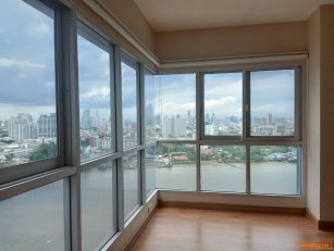 Sale Ivy river 2 beds 2 baths 113 sqm 19th floor 180 degree river view. Unbeatable price and view.