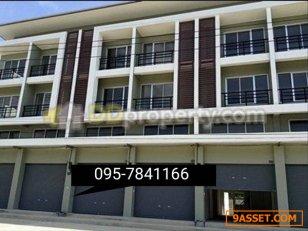 ขายอาคารพาณิชย์ เดอะไอยรา 22 ตรว. พื้นที่ใช้สอย 160ตรม. 3 ชั้นครึ่ง คุณเชอร์รี่ : 095-784-1166