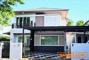 ขาย หมู่บ้านบลูลากูน บ้านเดี่ยว 2 ชั้น ตัวบ้านรีโนเวทใหม่ทั้งหลัง  สภาพดีมาก  สวยเรียบหรู