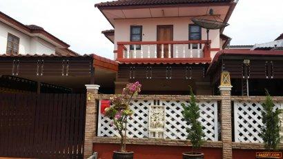ขายบ้าน  2 ชั้น 2 ห้องนอน 2 ห้องน้ำ 1 ห้องครัว ที่จอดรถ สภาพนางฟ้า ตกแต่งใหม่ทั้งหลัง